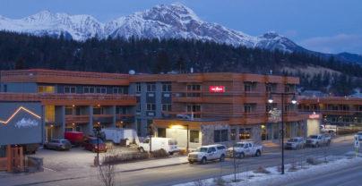 Skivakantie in Jasper: The Crimson